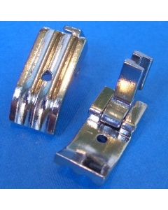 Sewing machine piping foot